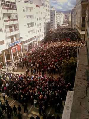 Sur twitter les images des manifestations du Maroc arrivent