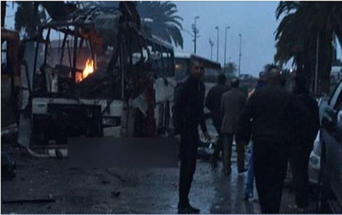 Tunis un bus explose on suppose que c'est un attentat