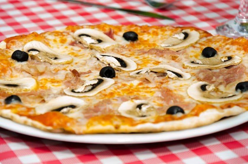 Comment faire une Pizza Rapide et délicieuse quand on est pressé